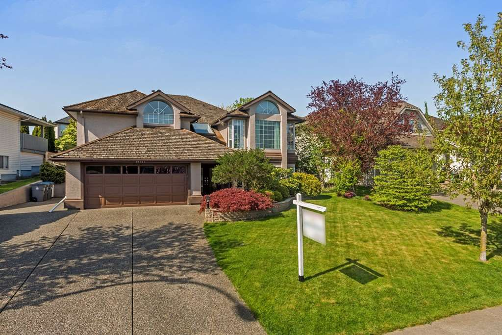 Main Photo: 18721 56A Avenue in Surrey: Cloverdale BC House for sale (Cloverdale)  : MLS®# R2261351