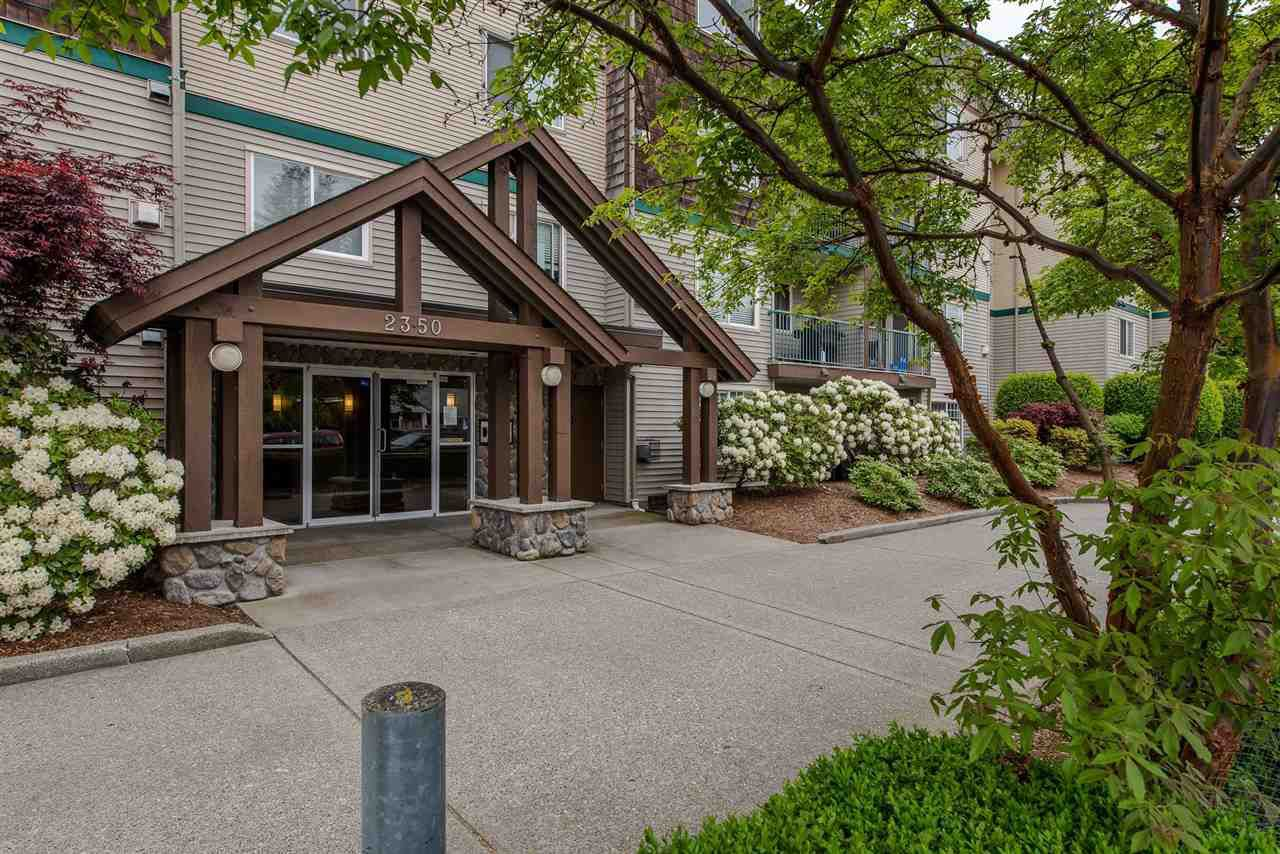 """Main Photo: 206 2350 WESTERLY Street in Abbotsford: Abbotsford West Condo for sale in """"Stonecroft Estates"""" : MLS®# R2265857"""