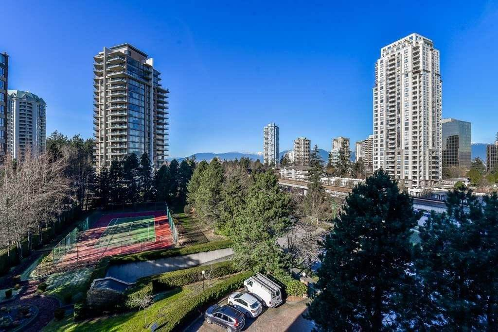 Main Photo: 705 4350 BERESFORD Street in Burnaby: Metrotown Condo for sale (Burnaby South)  : MLS®# R2368648