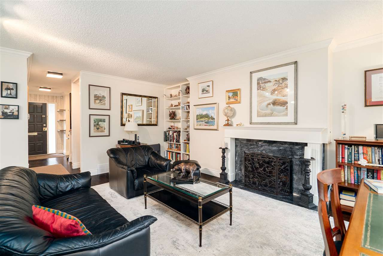 Main Photo: 4166 VINE Street in Vancouver: Quilchena Townhouse for sale (Vancouver West)  : MLS®# R2373133