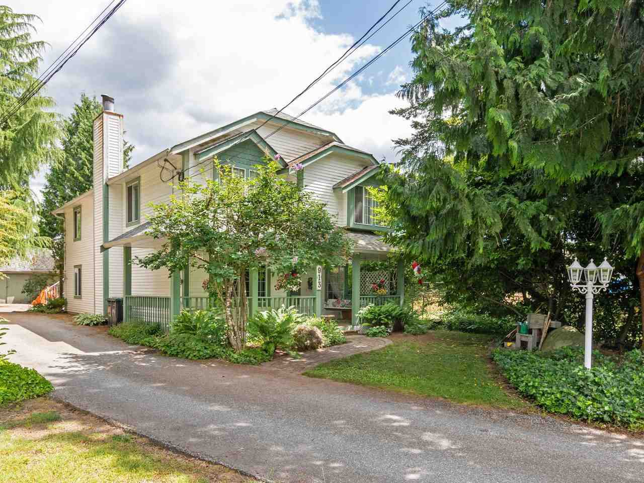Main Photo: 913 LILLIAN Street in Coquitlam: Harbour Chines House for sale : MLS®# R2375378