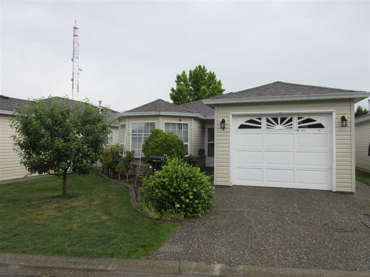 """Main Photo: 8 8500 YOUNG Road in Chilliwack: Chilliwack W Young-Well House for sale in """"Cottage Grove"""" : MLS®# R2377255"""