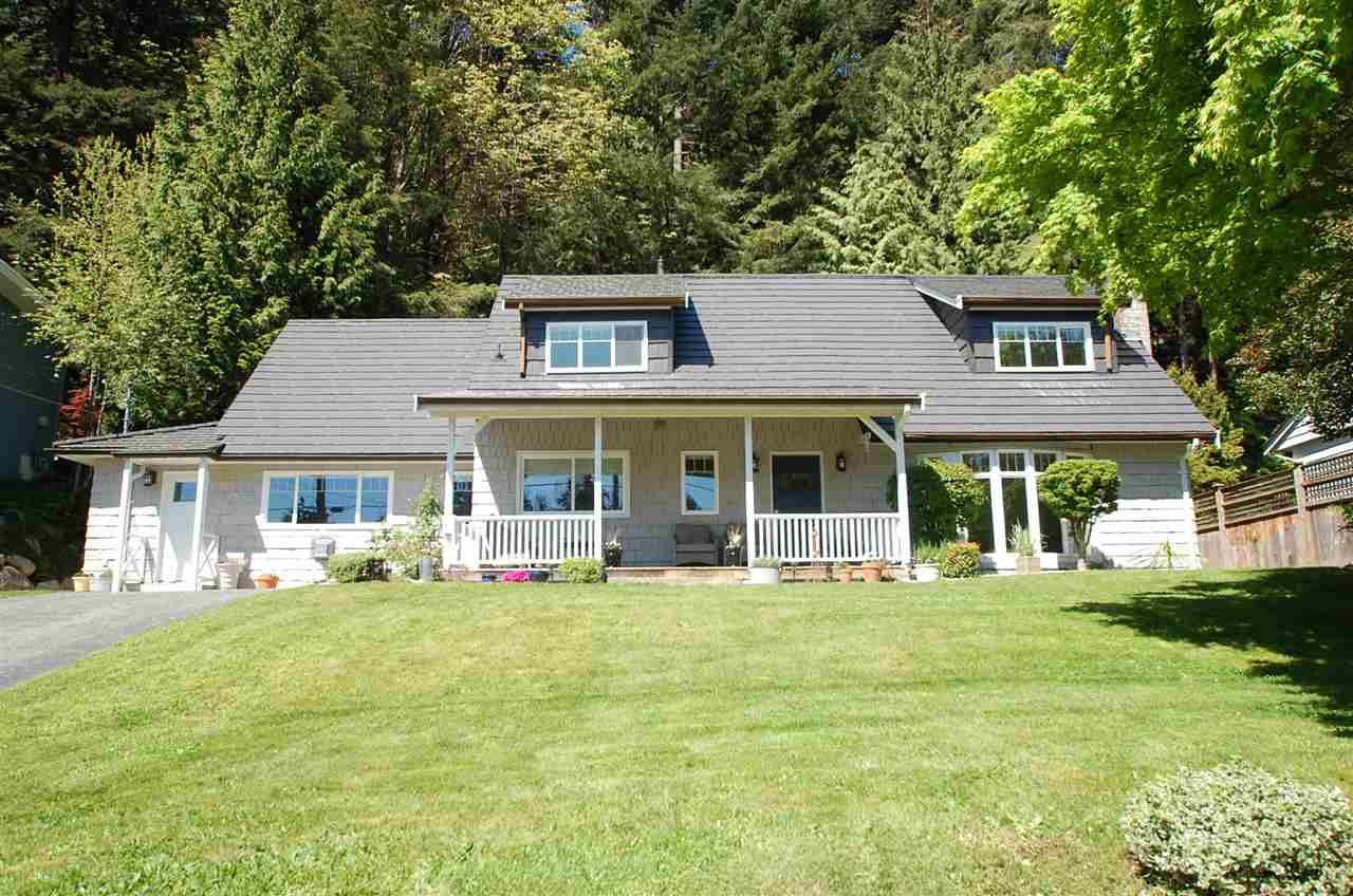 Main Photo: 5764 CRANLEY Drive in West Vancouver: Eagle Harbour House for sale : MLS®# R2163902