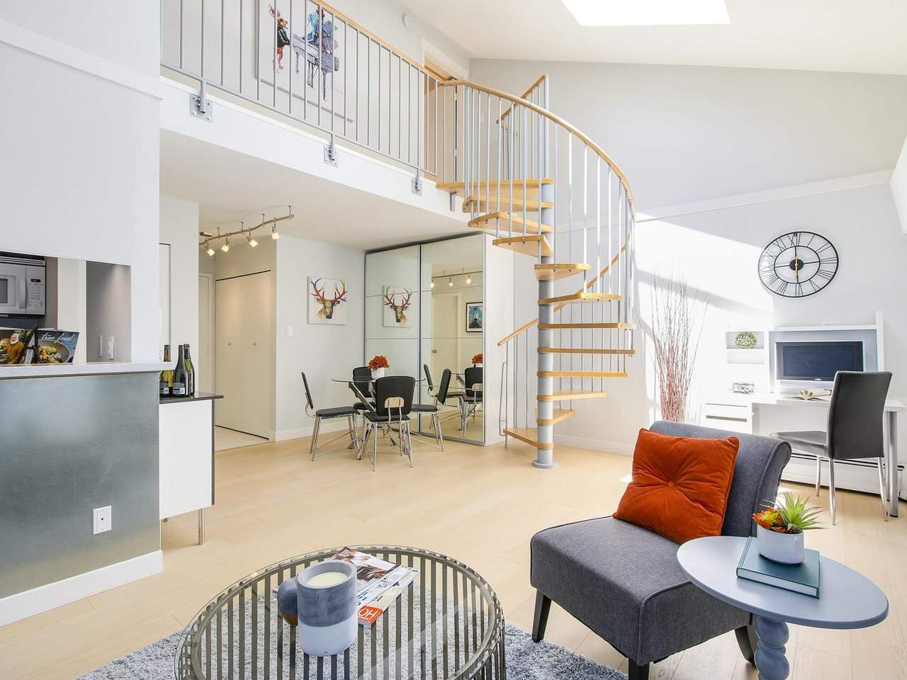 """Main Photo: 306 1425 CYPRESS Street in Vancouver: Kitsilano Condo for sale in """"Cypress West"""" (Vancouver West)  : MLS®# R2183416"""