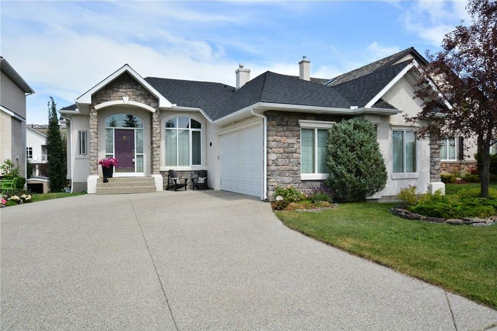 Main Photo: 104 GLENEAGLES Landing: Cochrane House for sale : MLS®# C4127159