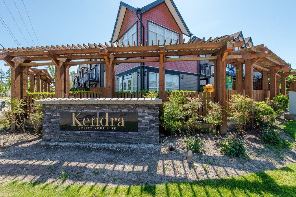 "Main Photo: 8 6378 142 Street in Surrey: Sullivan Station Townhouse for sale in ""Kendra"" : MLS®# R2193744"
