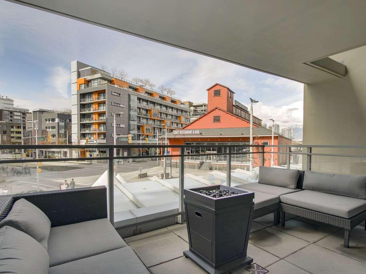 Main Photo: 205 88 W 1ST AVENUE in Vancouver: False Creek Condo for sale (Vancouver West)  : MLS®# R2149977