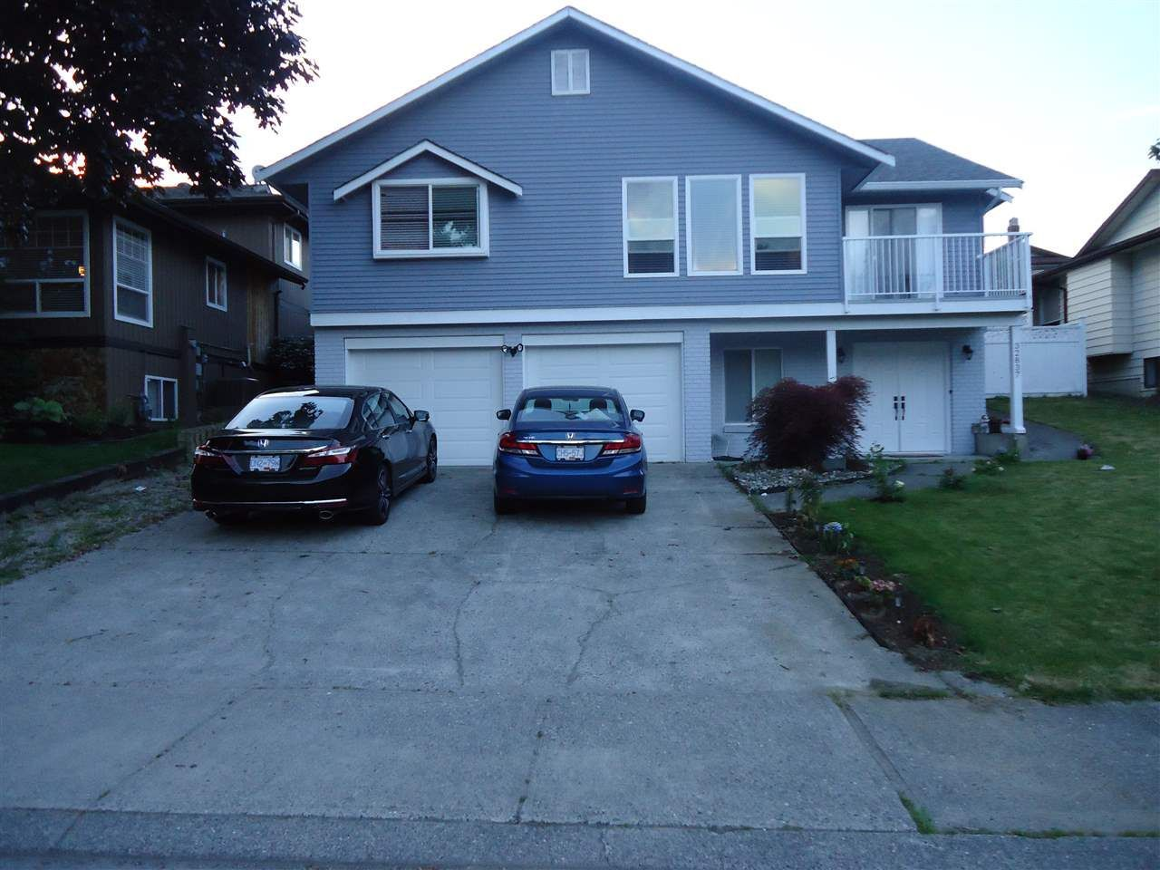 Main Photo: 32837 HARWOOD Crescent in Abbotsford: Central Abbotsford House for sale : MLS®# R2211745