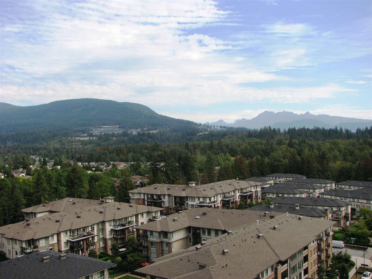 """Main Photo: 1306 3100 WINDSOR Gate in Coquitlam: New Horizons Condo for sale in """"LLOYD"""" : MLS®# R2308166"""