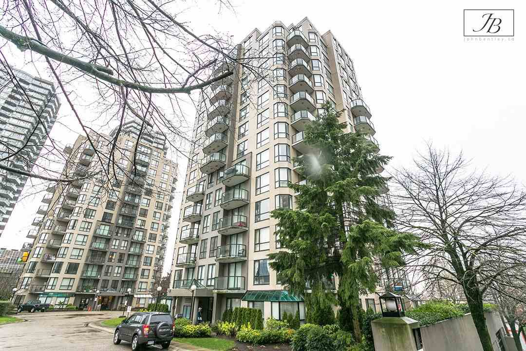 "Main Photo: 1003 838 AGNES Street in New Westminster: Downtown NW Condo for sale in ""WESTMINSTER TOWERS"" : MLS®# R2337681"