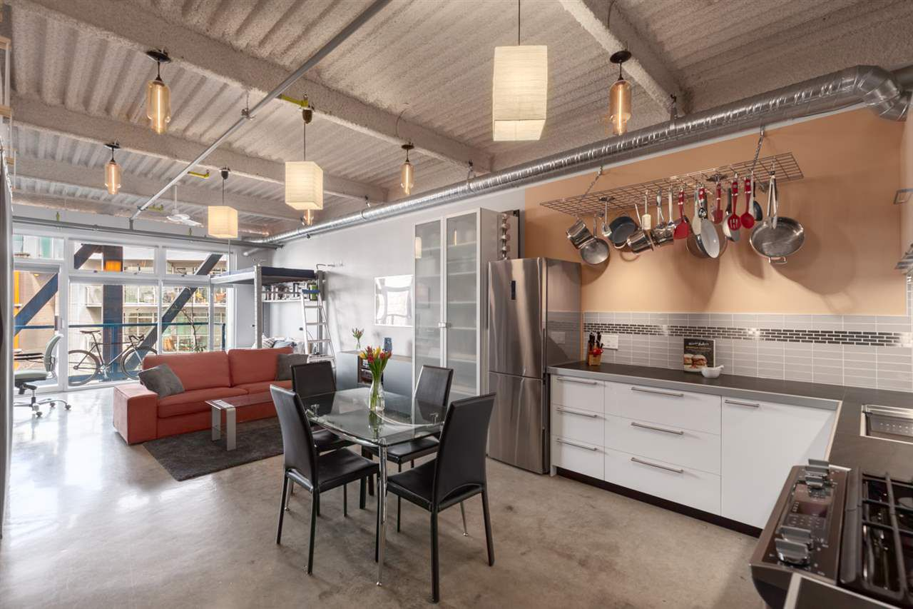 """Main Photo: 213 237 E 4TH Avenue in Vancouver: Mount Pleasant VE Condo for sale in """"ARTWORKS"""" (Vancouver East)  : MLS®# R2352405"""