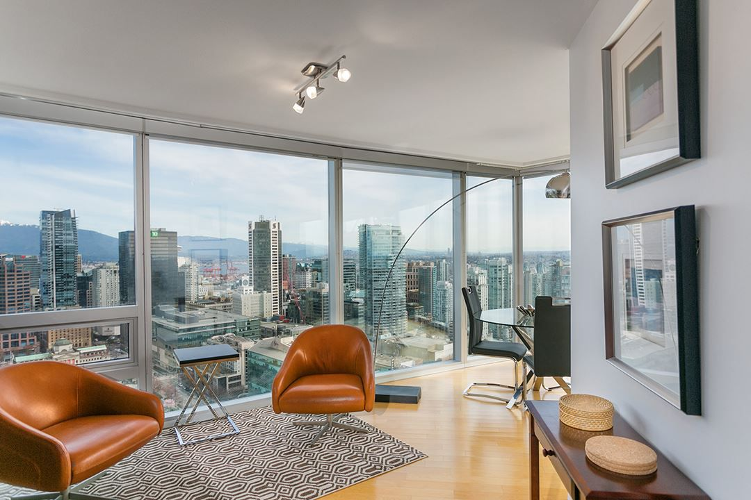 """Main Photo: 3304 938 NELSON Street in Vancouver: Downtown VW Condo for sale in """"One Wall Centre"""" (Vancouver West)  : MLS®# R2356699"""