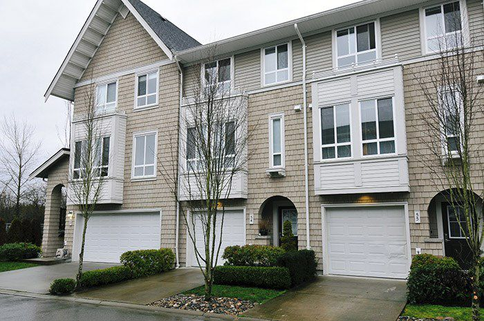 """Main Photo: 54 2418 AVON Place in Port Coquitlam: Riverwood Townhouse for sale in """"THE LINKS"""" : MLS®# R2036141"""