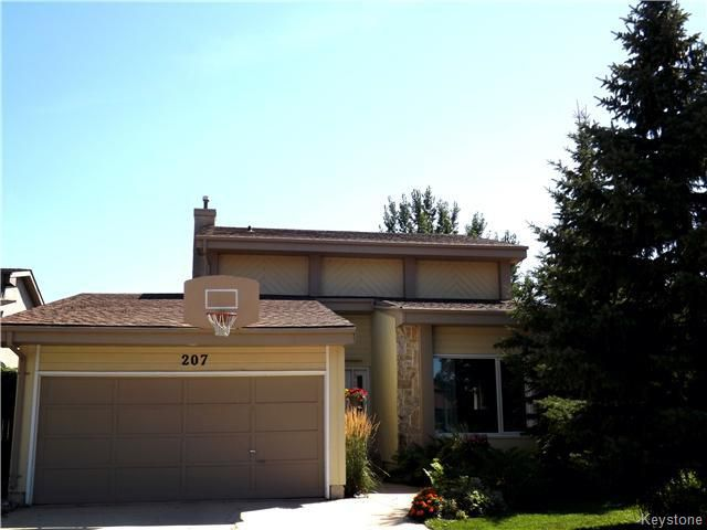NOW IS YOUR OPPORTUNITY! BEAUTIFUL WELL LOCATED HOME ON A GORGEOUS PARK-LIKE LOT!