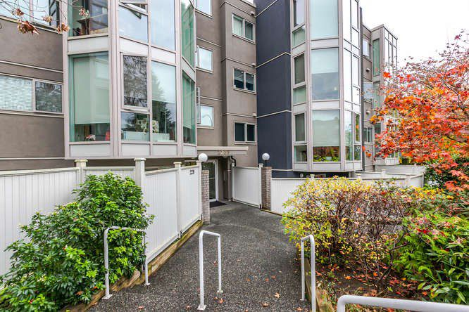 """Main Photo: 208 2238 ETON Street in Vancouver: Hastings Condo for sale in """"Eton Heights"""" (Vancouver East)  : MLS®# R2121109"""