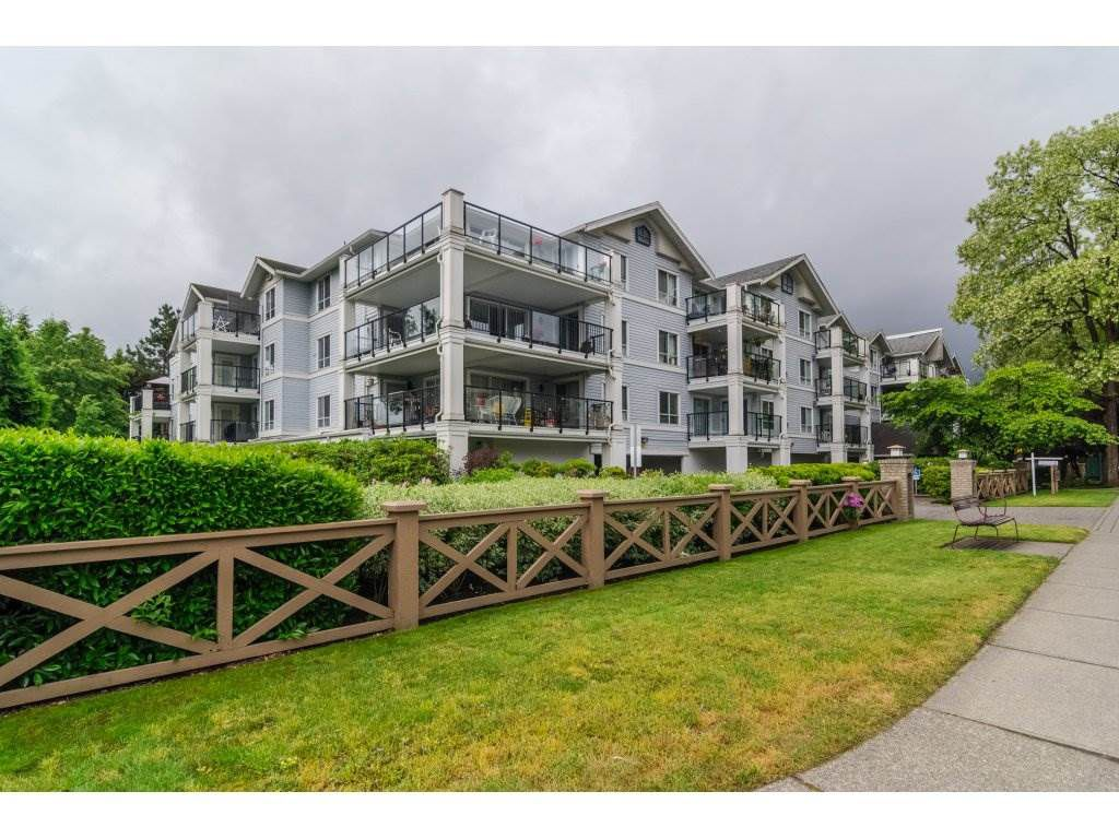 """Main Photo: 102 20976 56 Avenue in Langley: Langley City Condo for sale in """"Riverwalk"""" : MLS®# R2170905"""