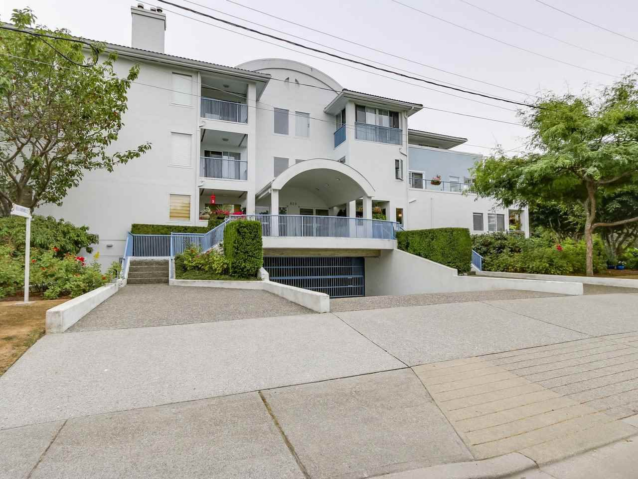 "Main Photo: 103 820 HABGOOD Street: White Rock Condo for sale in ""VILLA DARDANELLES"" (South Surrey White Rock)  : MLS®# R2208530"