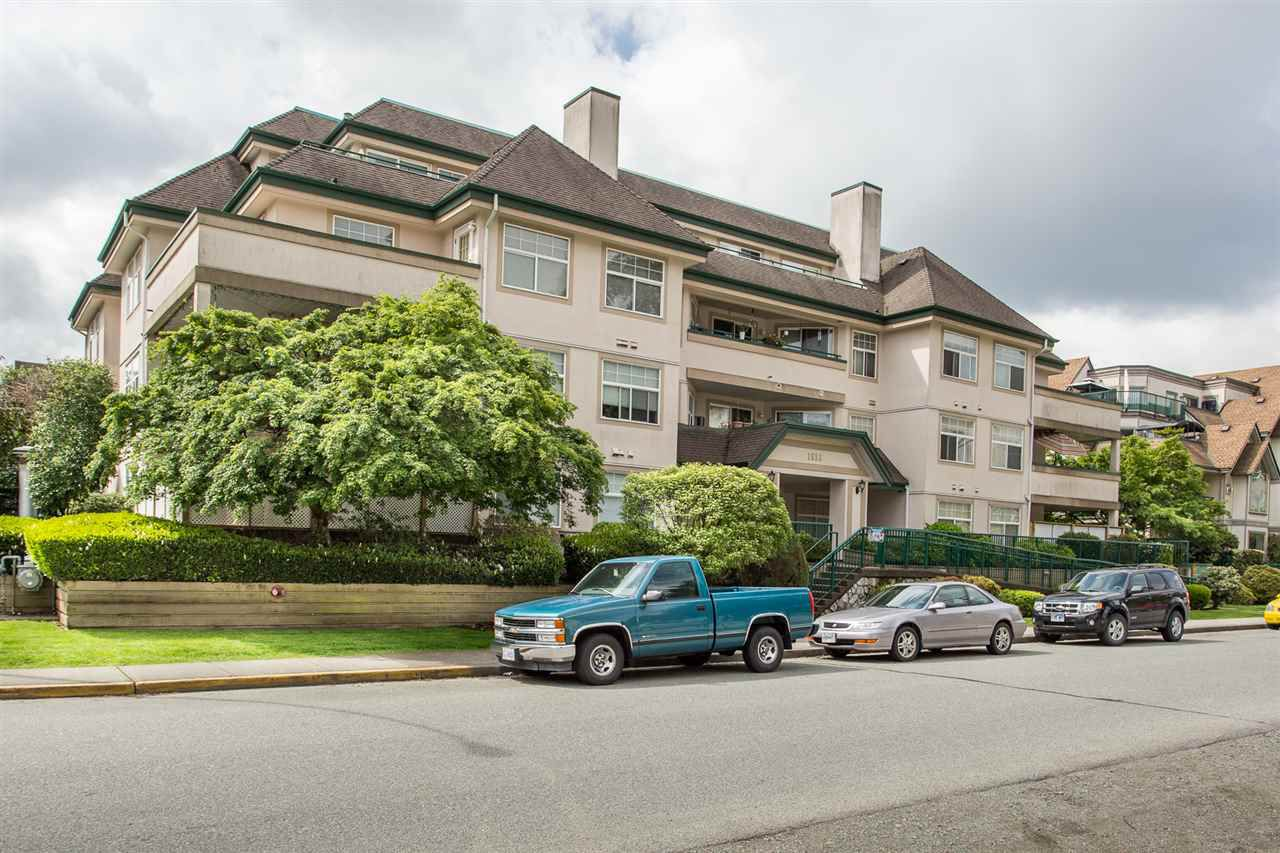 "Main Photo: 306 1618 GRANT Avenue in Port Coquitlam: Glenwood PQ Condo for sale in ""WEDGEWOOD MANOR"" : MLS®# R2283935"