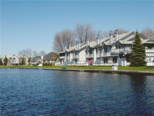 Main Photo: 7 10 Laguna Parkway in Ramara: Brechin Condo for sale : MLS®# S4209052