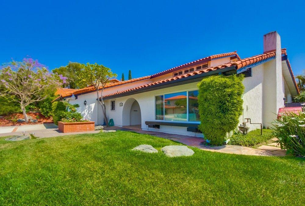 Main Photo: DEL CERRO House for sale : 6 bedrooms : 6331 Camino Corto in San Diego