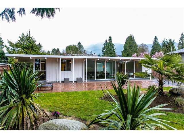 Main Photo: Mid-Century Modern Edgemont Village