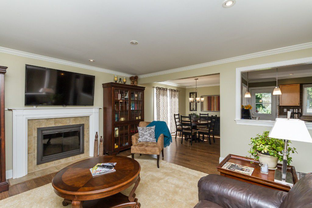 Photo 6: Photos: 1985 PETERSON Avenue in Coquitlam: Cape Horn House for sale : MLS®# V1067810
