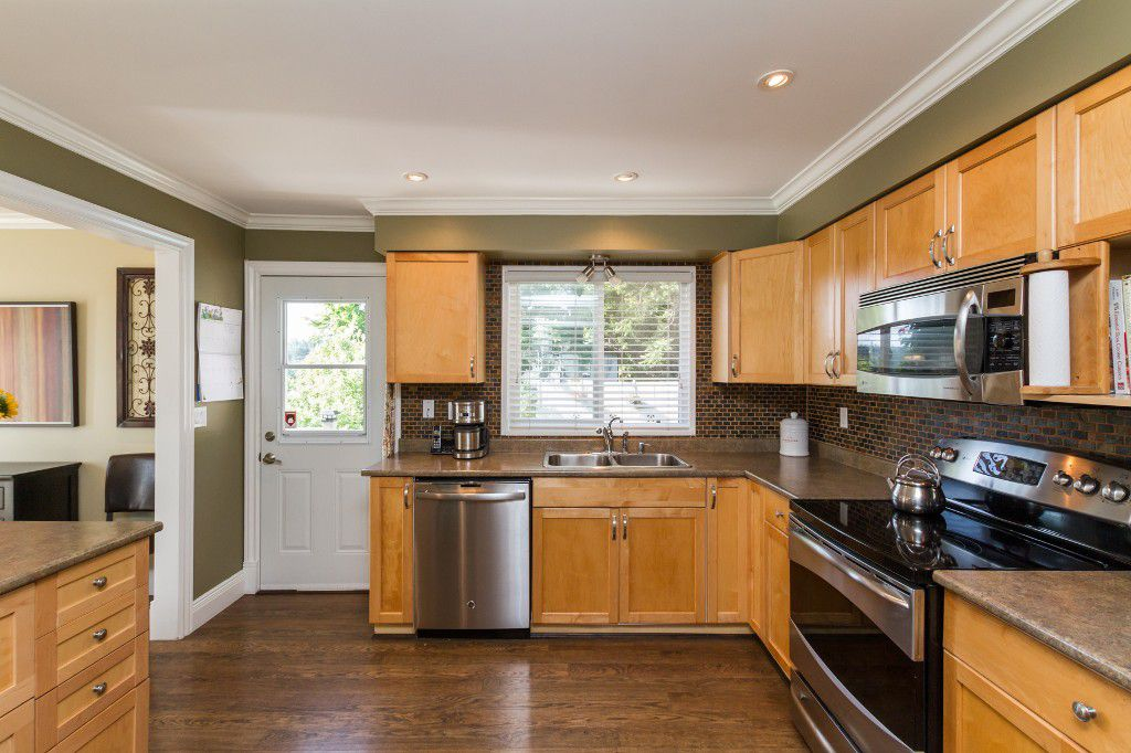 Photo 10: Photos: 1985 PETERSON Avenue in Coquitlam: Cape Horn House for sale : MLS®# V1067810