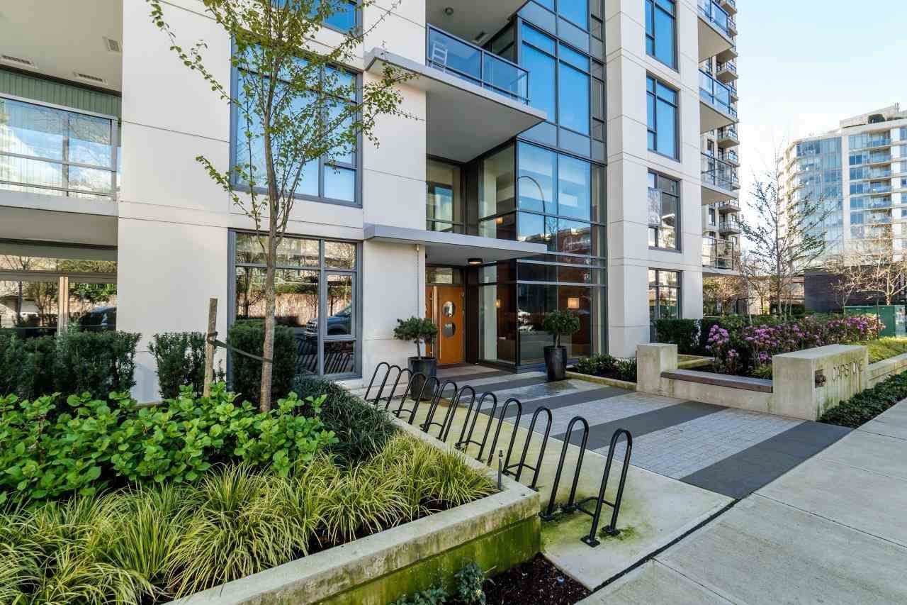 """Main Photo: 312 135 W 2ND Street in North Vancouver: Lower Lonsdale Condo for sale in """"CAPSTONE"""" : MLS®# R2049333"""