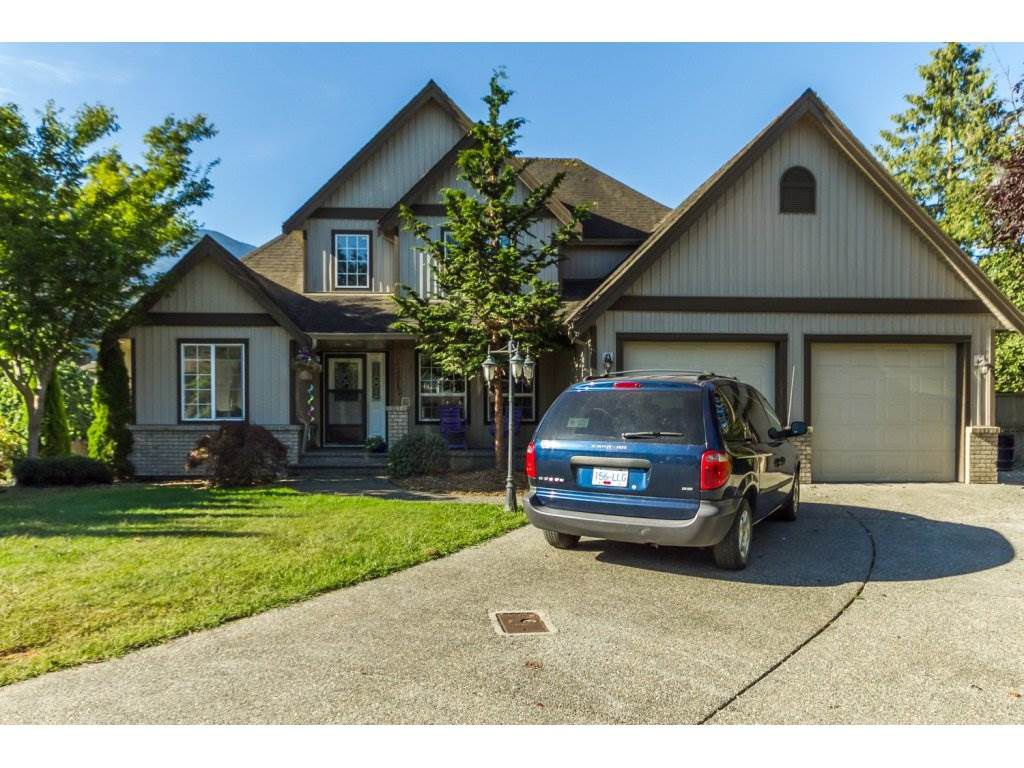 "Main Photo: 52612 WOODGROVE Place in Chilliwack: Rosedale Popkum House for sale in ""WOODGROVE PLACE"" (Rosedale)  : MLS®# R2100209"