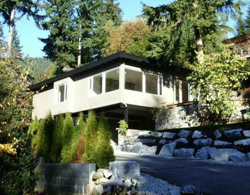 Main Photo: 250 W ROCKLAND Road in North Vancouver: Upper Lonsdale House for sale : MLS®# V624945