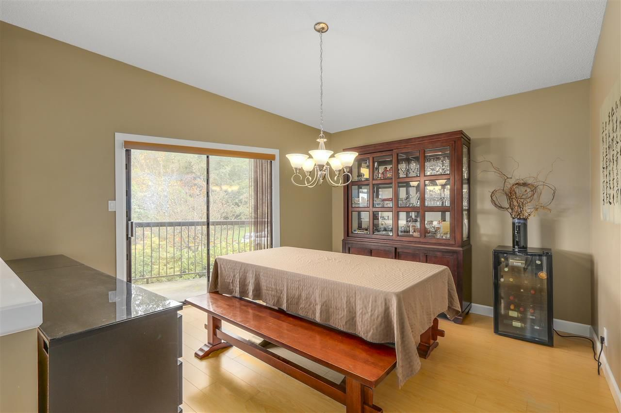 Photo 6: Photos: 6920 HYCREST Drive in Burnaby: Montecito House for sale (Burnaby North)  : MLS®# R2165155