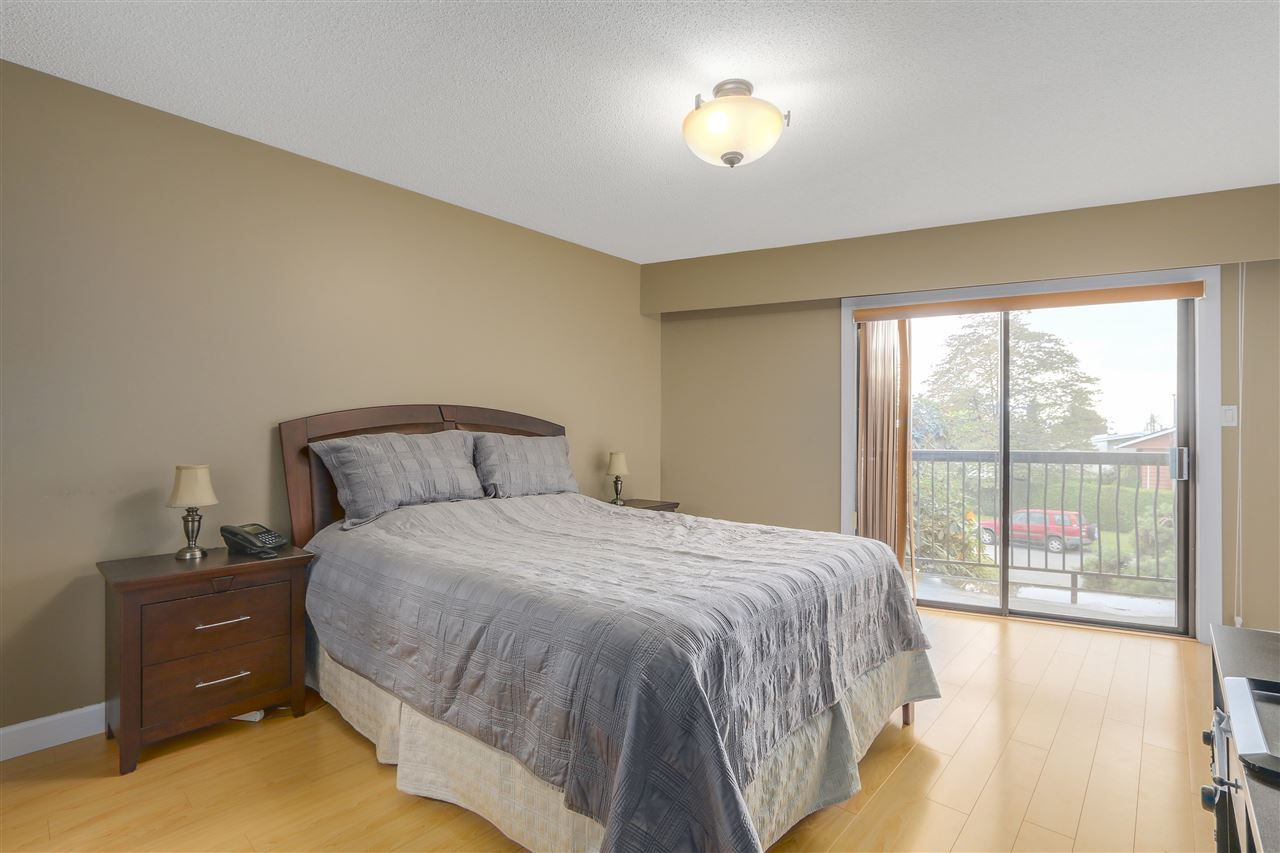 Photo 11: Photos: 6920 HYCREST Drive in Burnaby: Montecito House for sale (Burnaby North)  : MLS®# R2165155