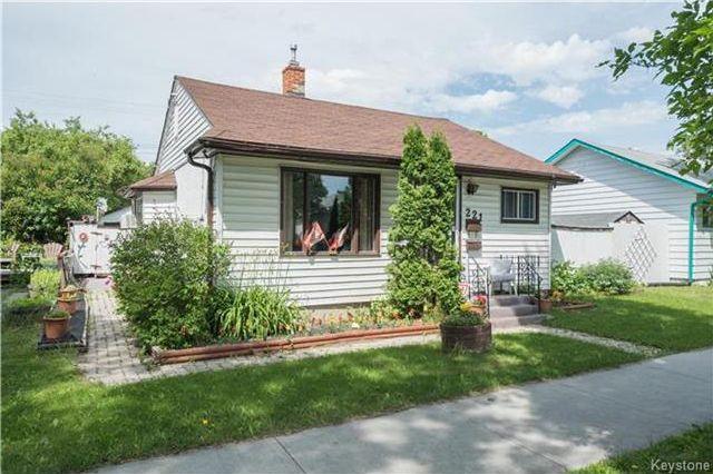 Main Photo: 221 Regent Avenue East in Winnipeg: East Transcona Residential for sale (3M)  : MLS®# 1717112