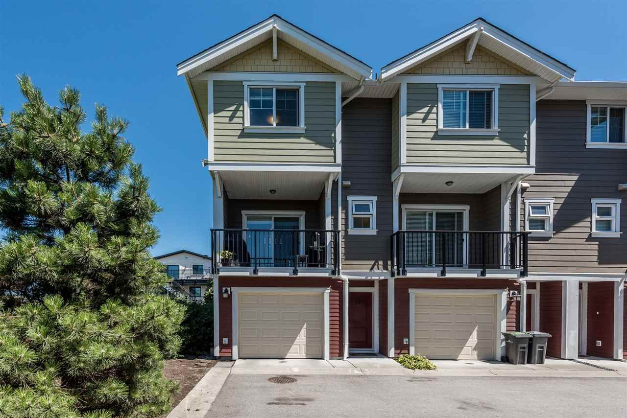 """Main Photo: 12 1111 EWEN Avenue in New Westminster: Queensborough Townhouse for sale in """"ENGLISH MEWS 2"""" : MLS®# R2192317"""