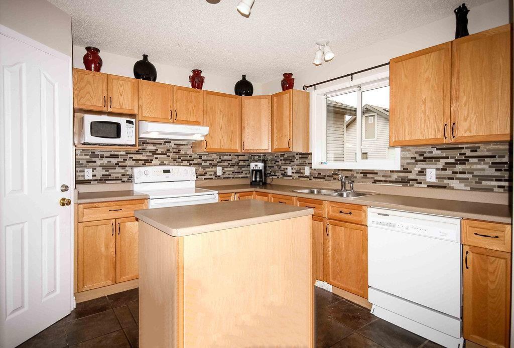 Main Photo: 136 BROOKVIEW Way: Stony Plain House for sale : MLS®# E4127172