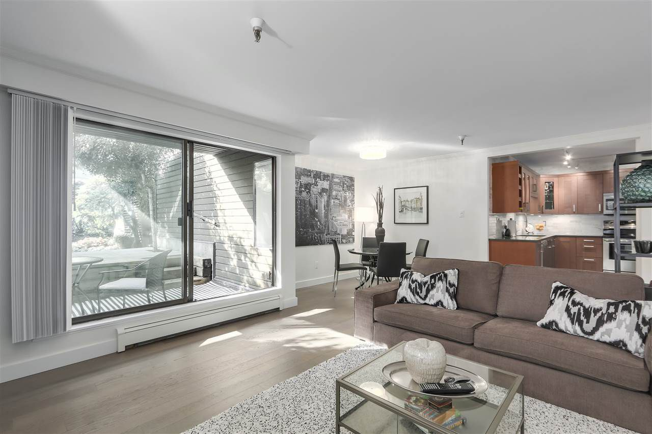 """Main Photo: 102 1340 DUCHESS Avenue in West Vancouver: Ambleside Condo for sale in """"DUCHESS LANE"""" : MLS®# R2308114"""