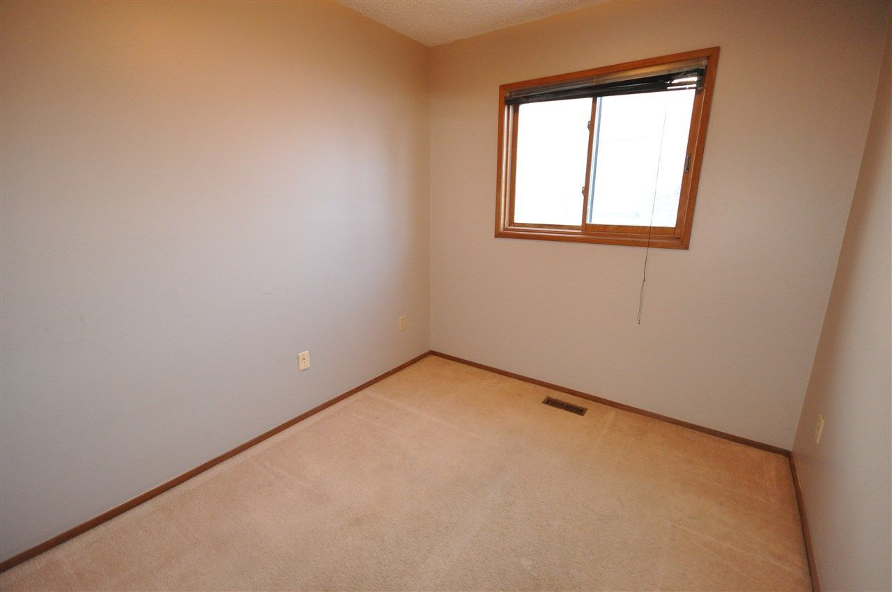 Photo 11: Photos: 5807 188 Street in Edmonton: Zone 20 House for sale : MLS®# E4138503