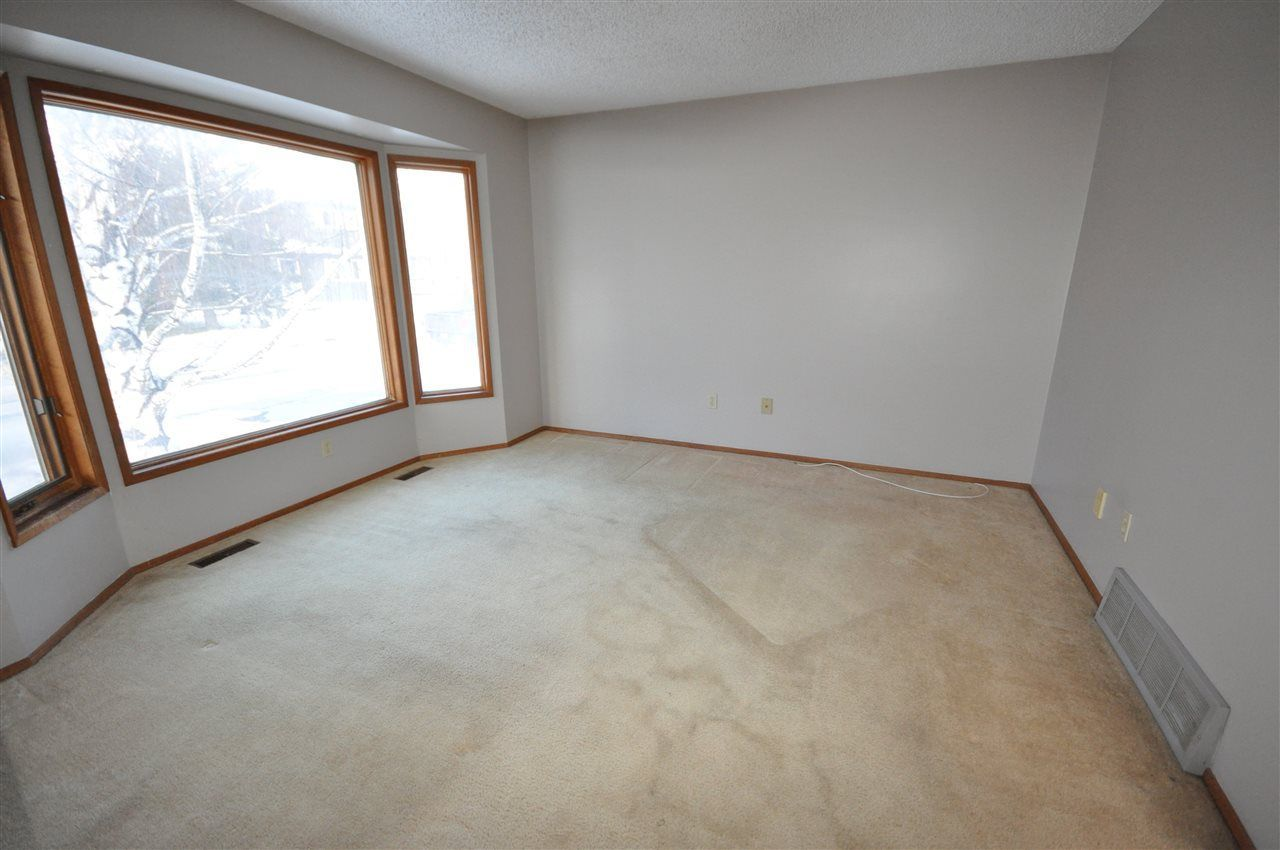 Photo 4: Photos: 5807 188 Street in Edmonton: Zone 20 House for sale : MLS®# E4138503