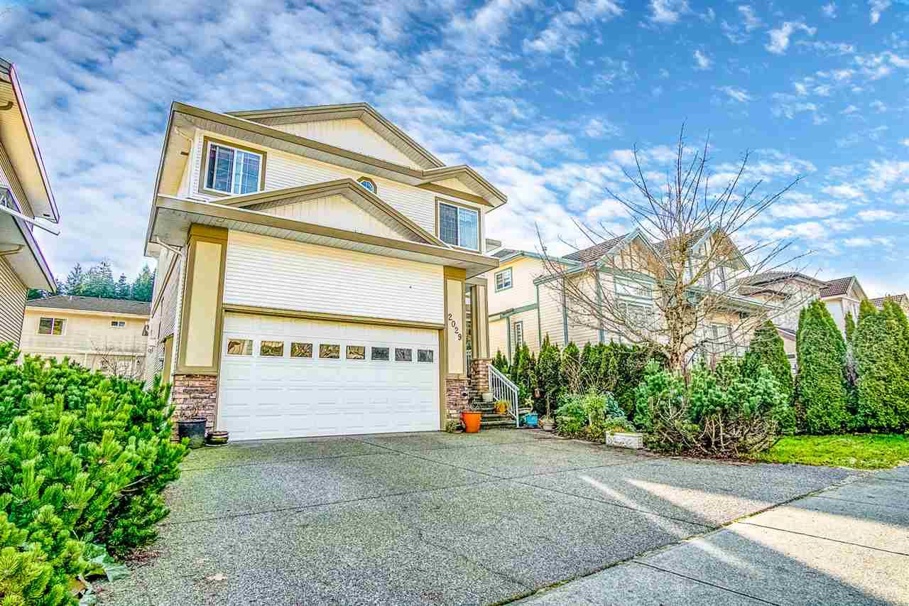 "Main Photo: 2029 TURNBERRY Lane in Coquitlam: Westwood Plateau House for sale in ""Westwood Plateau"" : MLS®# R2335969"