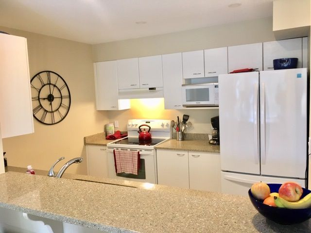 """Main Photo: 302 5855 COWRIE Street in Sechelt: Sechelt District Condo for sale in """"The Osprey"""" (Sunshine Coast)  : MLS®# R2342333"""