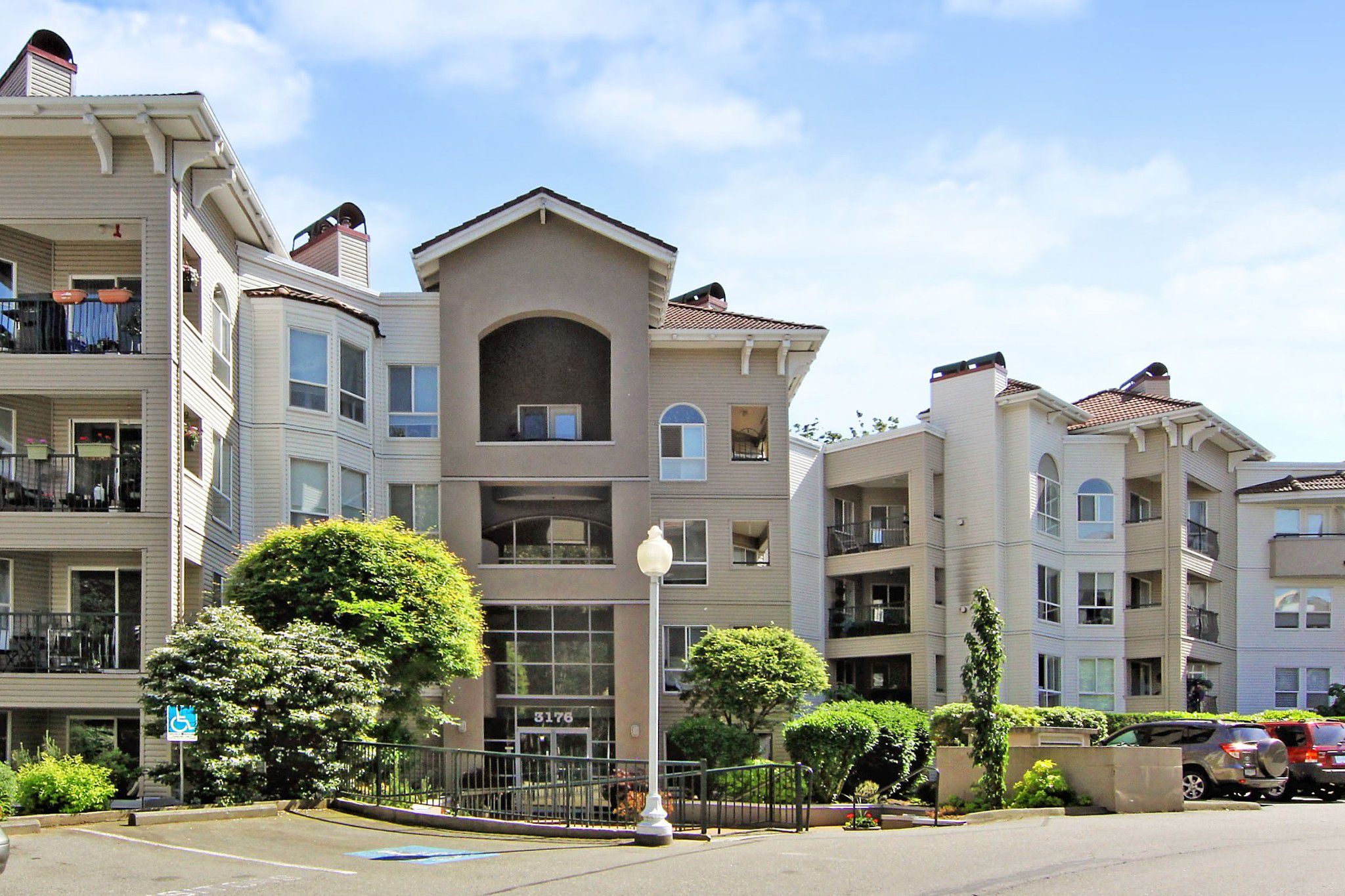 """Main Photo: 107 3176 GLADWIN Road in Abbotsford: Central Abbotsford Condo for sale in """"Regency Park"""" : MLS®# R2371135"""