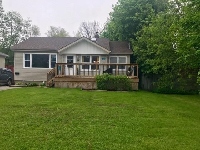 Main Photo: 29 Lincoln Street in Ajax: Central West House (Bungalow) for sale : MLS®# E4477567