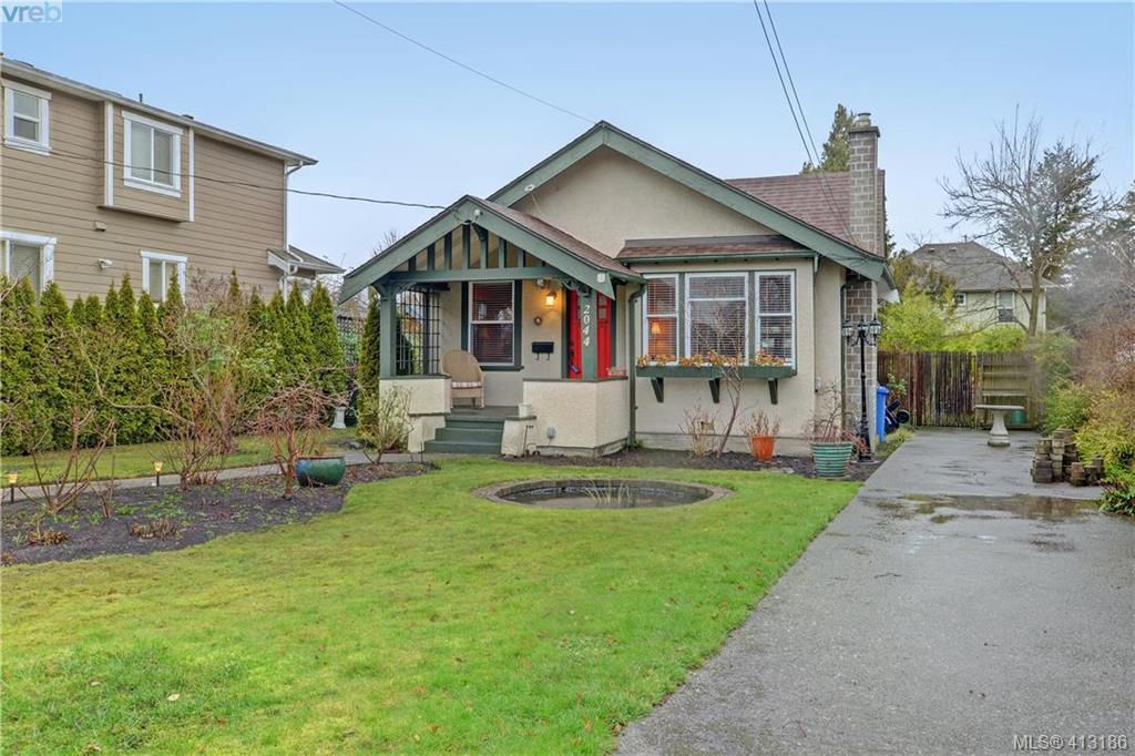 Main Photo: 2044 Milton Street in VICTORIA: OB North Oak Bay Single Family Detached for sale (Oak Bay)  : MLS®# 413186