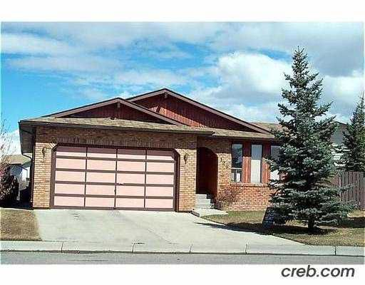 Main Photo:  in CALGARY: Whitehorn Residential Detached Single Family for sale (Calgary)  : MLS®# C2362402