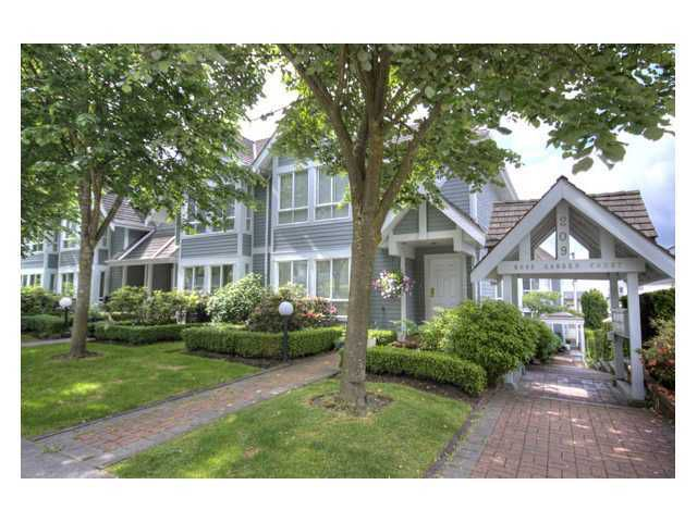 """Main Photo: 109 209 E 6TH Street in North Vancouver: Lower Lonsdale Townhouse for sale in """"ROSE GARDEN COURT"""" : MLS®# V882100"""