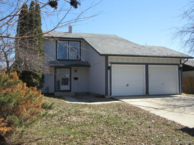 Main Photo: 58 Lakeglen Drive in WINNIPEG: Fort Garry / Whyte Ridge / St Norbert Residential for sale (South Winnipeg)  : MLS®# 1407605