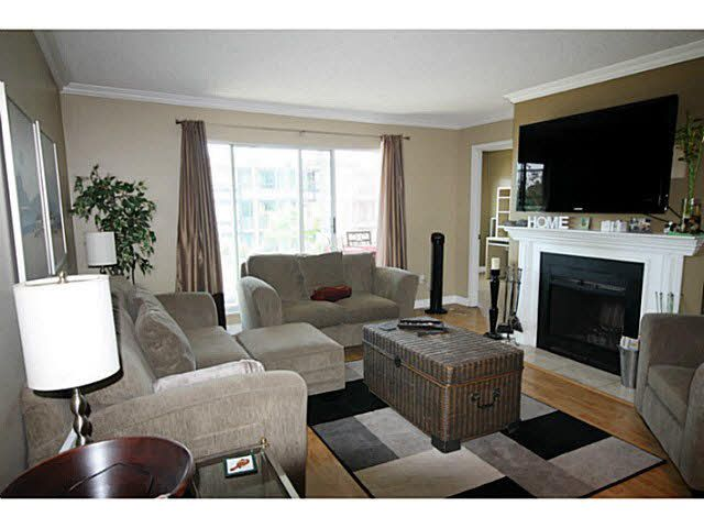"Main Photo: 203 1354 WINTER Street: White Rock Condo for sale in ""Winter Estates"" (South Surrey White Rock)  : MLS®# F1449005"