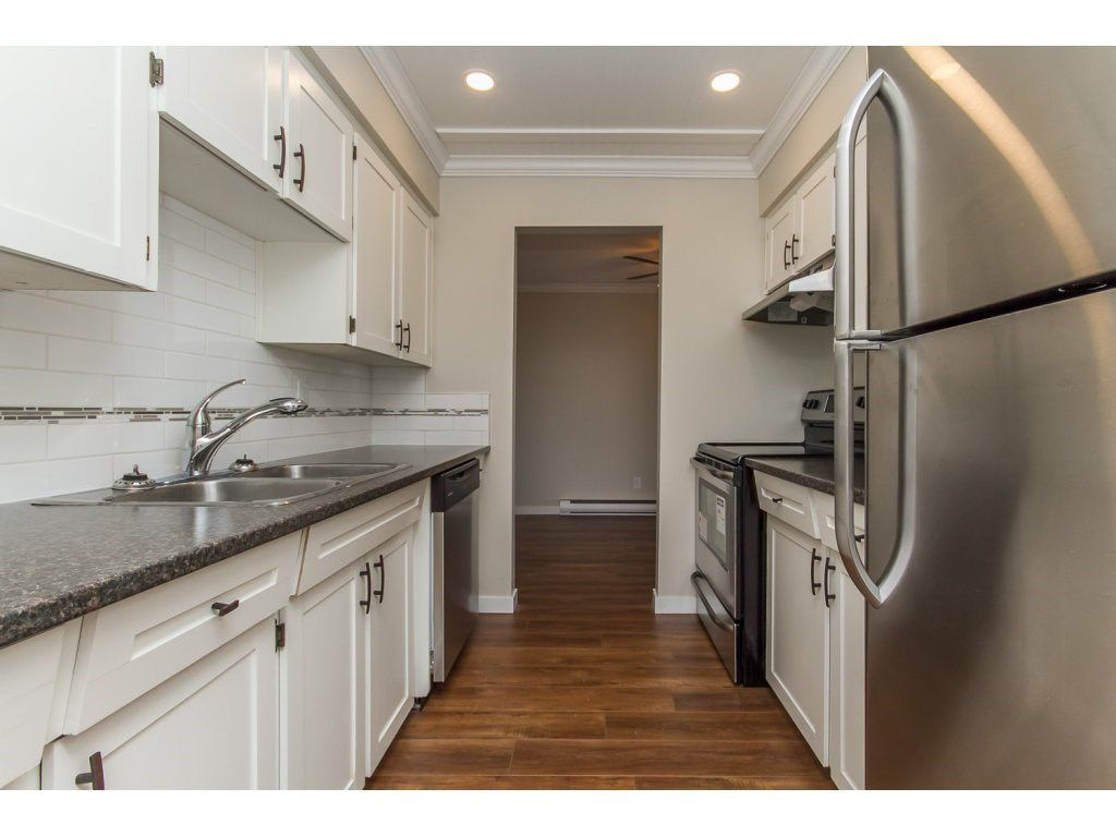 """Main Photo: 110 32040 PEARDONVILLE Road in Abbotsford: Abbotsford West Condo for sale in """"Dogwood Manor"""" : MLS®# R2101108"""