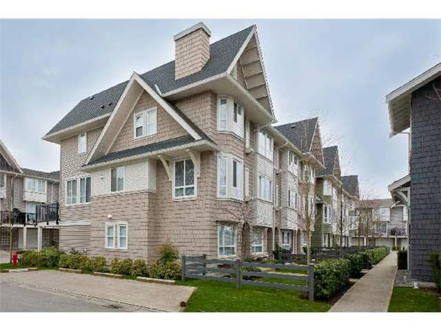 Main Photo: 26 2418 AVON PLACE in : Riverwood Townhouse for sale : MLS®# V934805