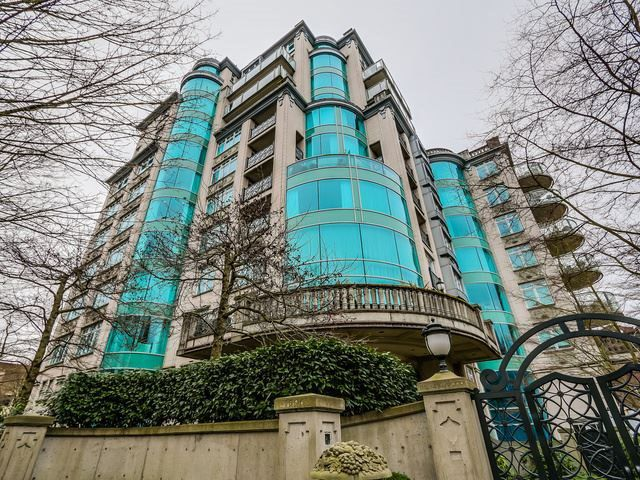 """Main Photo: 4A 1596 W 14TH Avenue in Vancouver: Fairview VW Condo for sale in """"KINGSWOOD"""" (Vancouver West)  : MLS®# R2132310"""